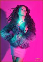 Zendaya-coleman-pinkwalldark