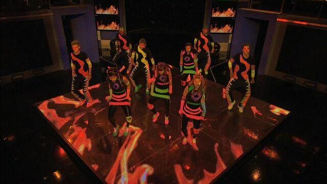 File:Shake It Up, Up & Away 05.jpg