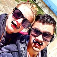 Adaline-Moustaches