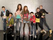 Shake-it-up-season-2-cast-1