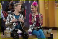 Shake-It-Up-shake-it-up-27824448-700-469