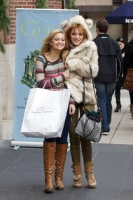 Bella-thorne-out-with-OliviaHolt