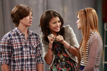 575x382xbella-thorne-zendaya-leo-howard-jan-11-2013 jpg pagespeed ic mmhU9vleuQ