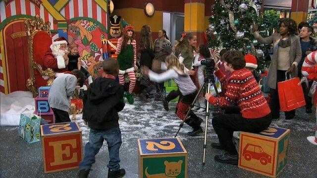 File:Jingle It Up 16.jpg