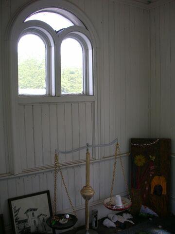 File:Waukegan 438 interior tower room.jpg