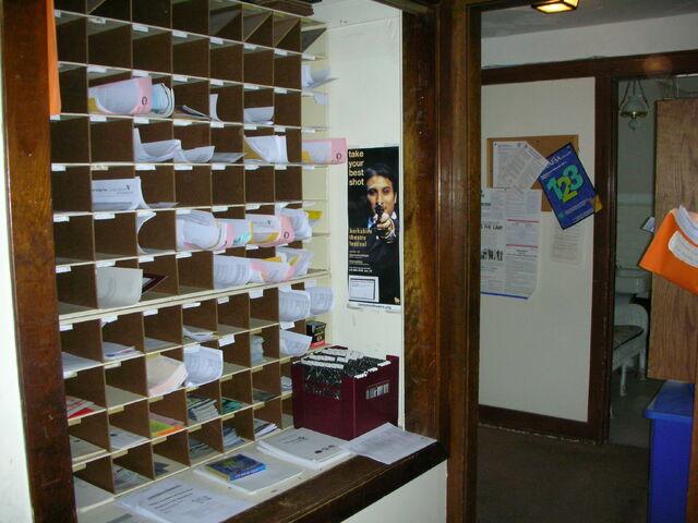 File:Waukegan Prairie House interior mailboxes.jpg