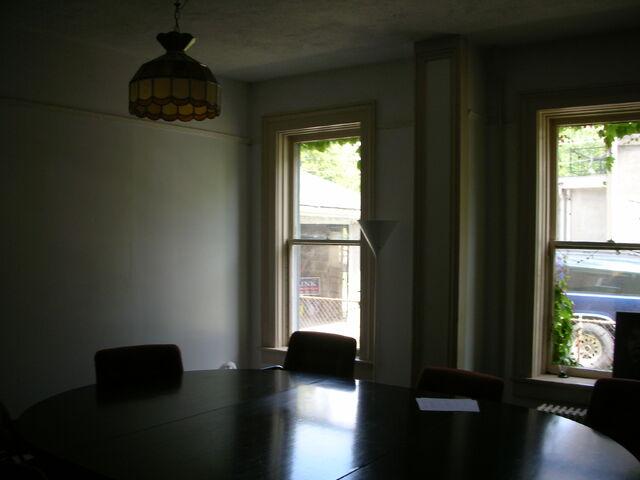 File:Waukegan 438 interior pi classroom table.jpg