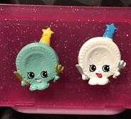 Party plate toys