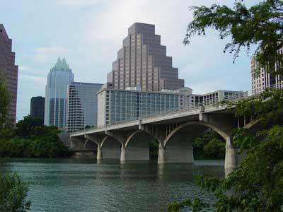 File:Family-vacations-bat-watching-congress-avenue-bridge.jpg