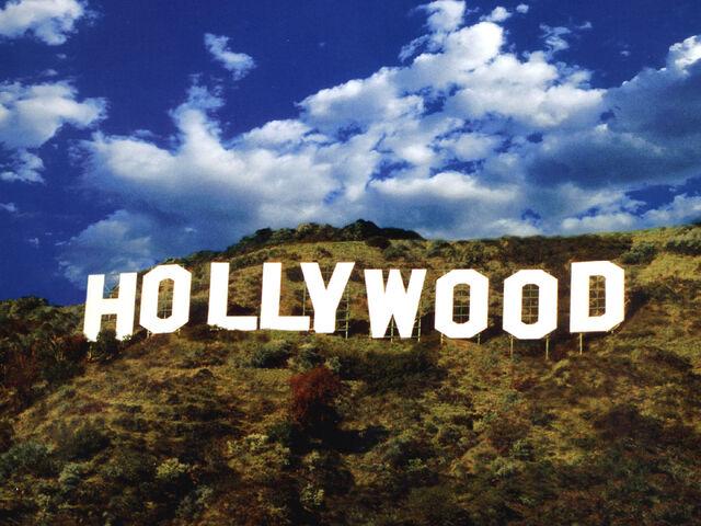 File:Peg1-stars-hollywood-sign.jpg