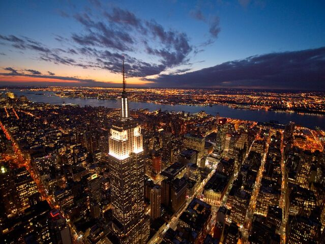 File:Empire-state-building-night-new-york 26741 990x742.jpg