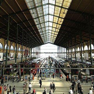 <i>Gare du Estobania</i>