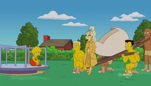 File:Lisa Goes Gaga 76.JPG