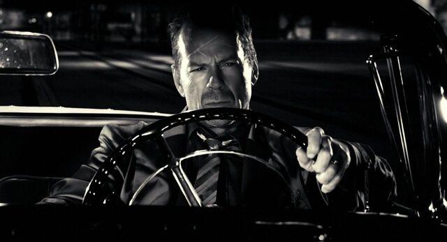 File:Driving....JPG
