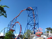 Superman Ultimate Flight at Six Flags Discovery Kingdom (14156245159) (2)