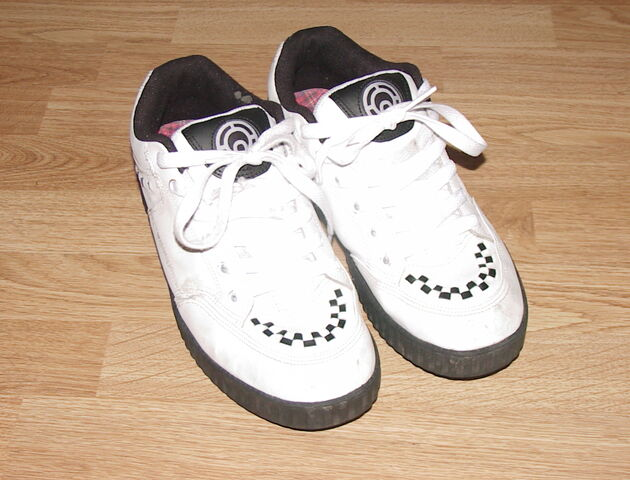 File:Ali Boulala Osiris Shoes Brothel Creepers trainers.JPG
