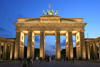 File:350px-Brandenburger Tor abends.jpg
