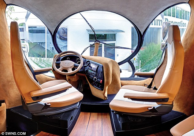 File:Elemment Davey Roche driving seat.jpg