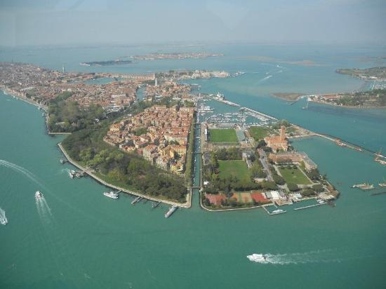 File:Wikia Skyfall - Venice from the air.jpg