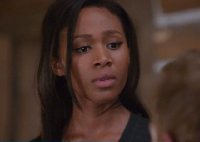 File:Nicole-Beharie-as-Det.-Abbie-Mills-on-Sleepy-Hollow-Season-1-Episode-4-The-Lesser-Key-of-Solomon.jpg