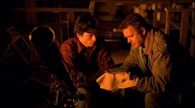 File:Smallville s01e01 311.jpg
