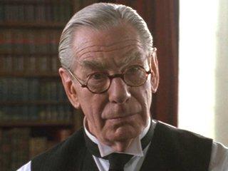 File:Batman Alfred Movie MG Alfred.jpg