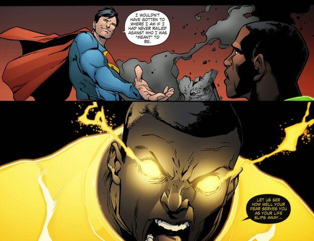 File:Smallville - Lantern 010-017.jpg