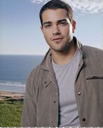 Jesse-Metcalfe-Net-135-teenvogue 4
