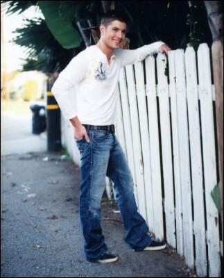 File:Jensen Ackles Alison Dyer 2005-06.jpg