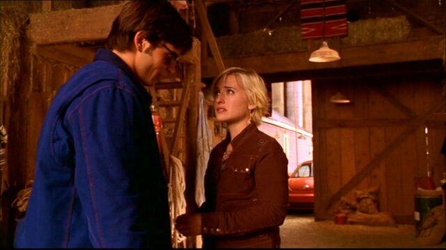 Archivo:Smallville310 250.jpg