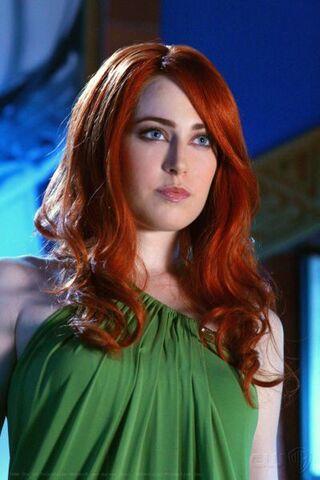 File:Maxima Smallville-1.jpg