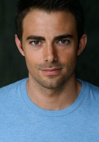 File:Jonathan Bennett imdb-2013-09-18a.jpg