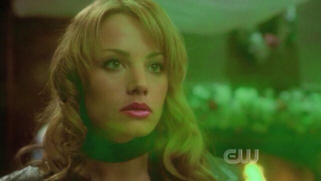 File:Kryptonite spray Lois.jpg