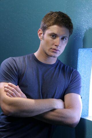 File:Jensen Ackles Smallville Promotional 2-28.jpg
