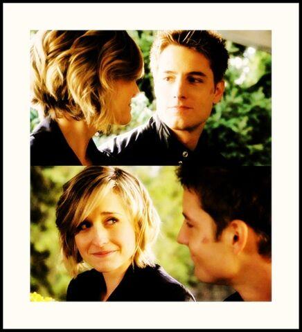 File:Chloe-Oliver-tv-couples-16040007-909-1000.jpg