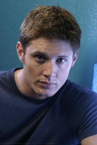 File:Jensen Ackles Smallville Promotional 2-29.jpg
