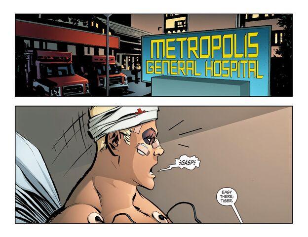 File:Smallville - Lantern 008-002.jpg