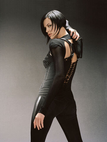 File:Pandora outfit.jpg