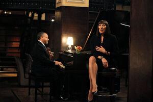 Eileen singing 1x14