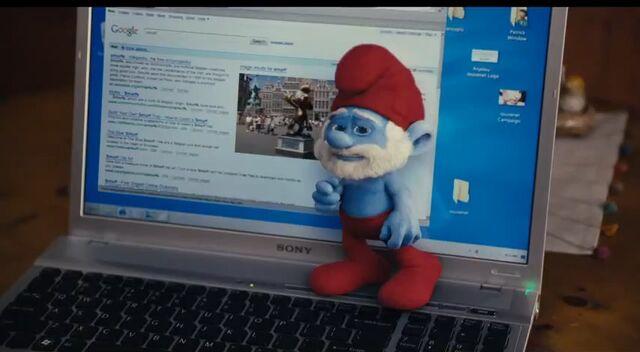 File:Papa Smurf On Laptop.jpg