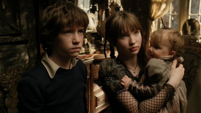 File:A-Series-of-Unfortunate-Events-emily-browning-20684048-1706-960.jpg