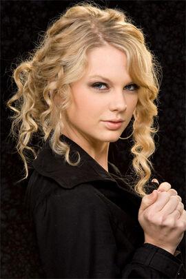 TaylorSwiftasLights 3