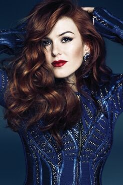 Fashion-Magazine-May-2013-Isla-Fisher-2
