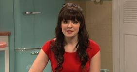 File:SNL Abby Elliott - Zooey Deschanel.jpg