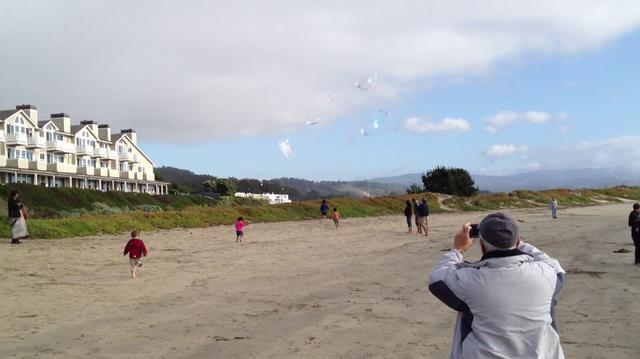 2011 11 Beach Bubbles