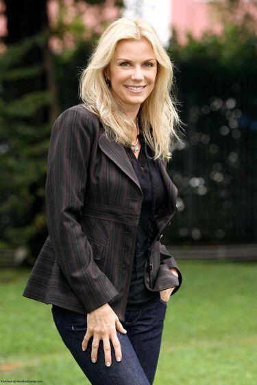 Katherine Kelly Lang (2)