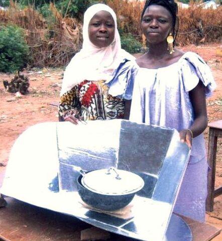 File:Tilo Tabiro women with CooKit 2008.jpg