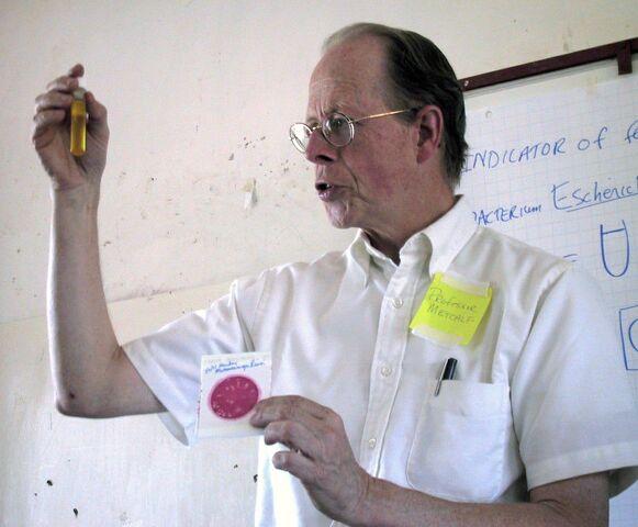 File:Robert Metcalf demonstrates water testing.jpg