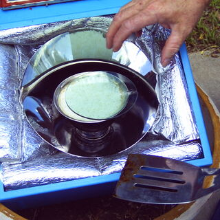 Rice cooked in a box cooker