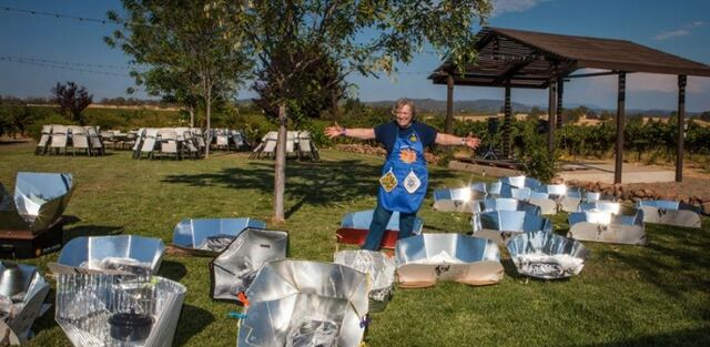 File:Irene Perbal with solar cookers, 9-18-14.jpg